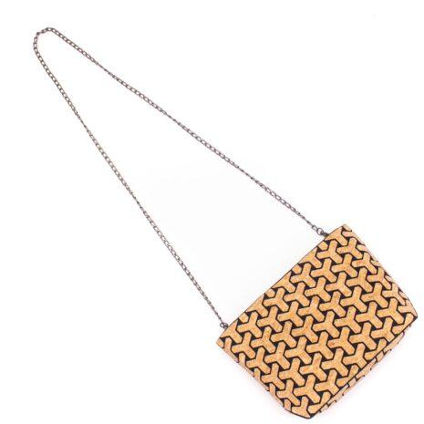 Vegansk håndtaske lavet af korklæder med sort mønster (4)