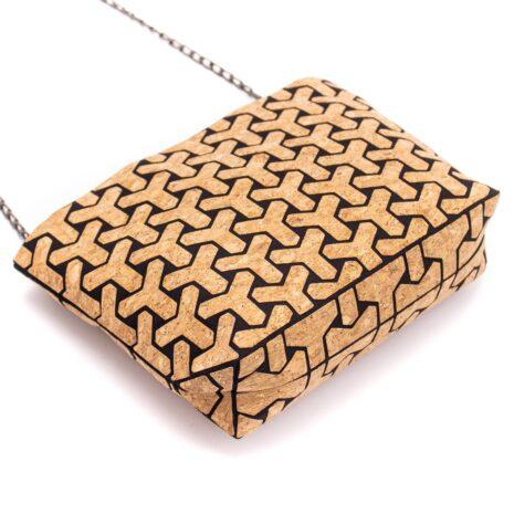 Vegansk håndtaske lavet af korklæder med sort mønster (6)